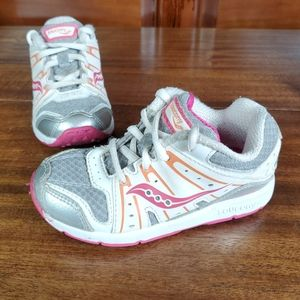 Saucony toddler girls sneakers  Sz 8M pink white